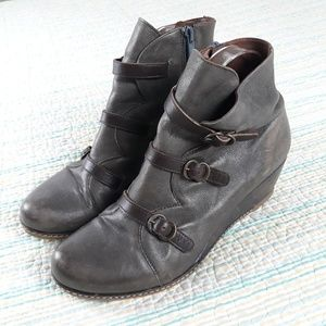 Eric Michael 9 Lena Gray Leather Wedge Booties